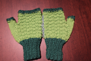 Wavy Garter Fingerless Gloves - AuntyNise.com